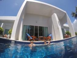 Kata Lucky Villas & Pool Access - Habitación con acceso a piscina. Perfecto!