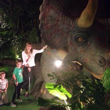 Dino Park - mini golf temático de dinosaurios